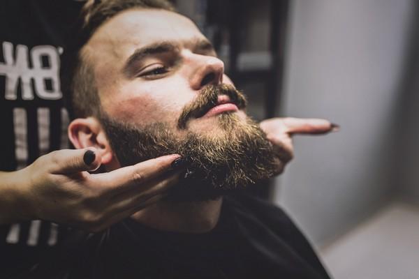 barbier taille de la barbe